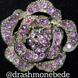🛍NWT: Vintage Brooch (Purple Flower)